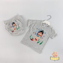 Majica na kratka rukave i gaćice za odvikavanje od pelena u kompletu.